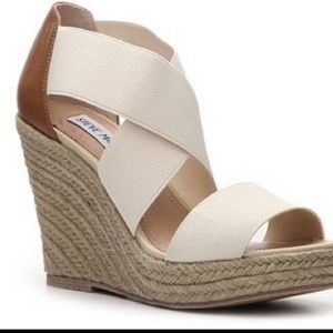 NWOT Perfect Starla Wedge by Steve Madden